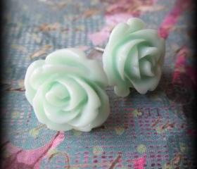 Mint roses post earrings.Rose jewelry.Mint green.Roses.Post earrings.Bridesmaids.Weddings.